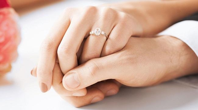 Trong tình yêu, Engagement là gì